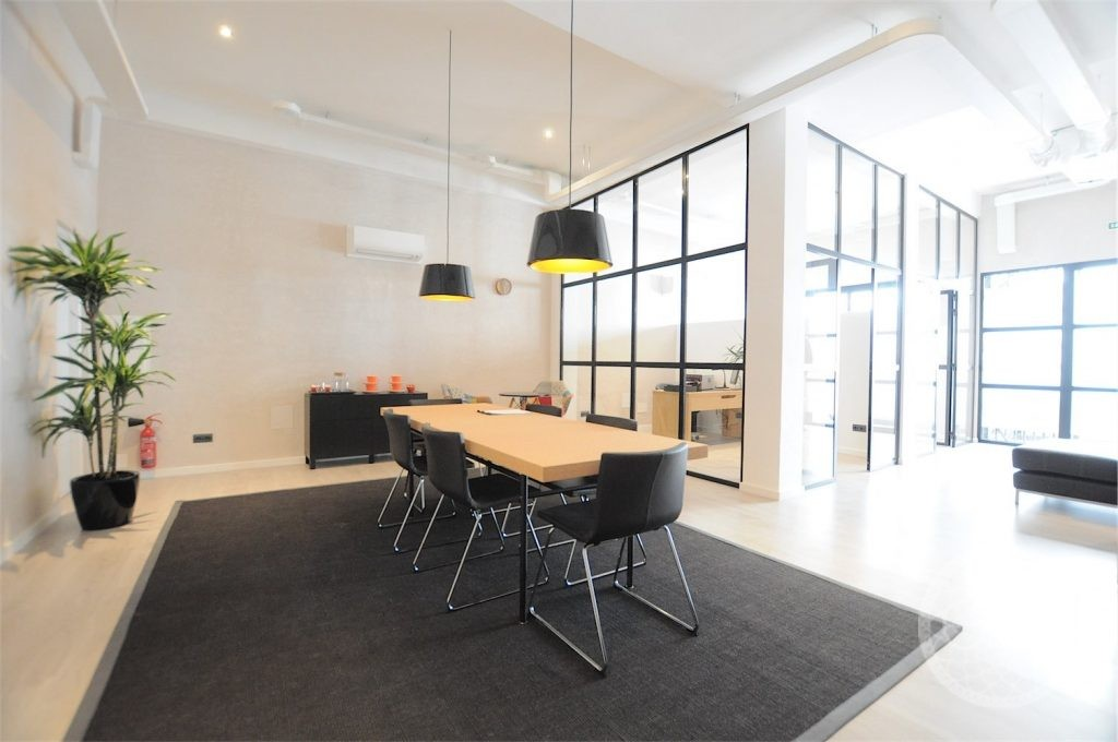 Great office in the centre of town