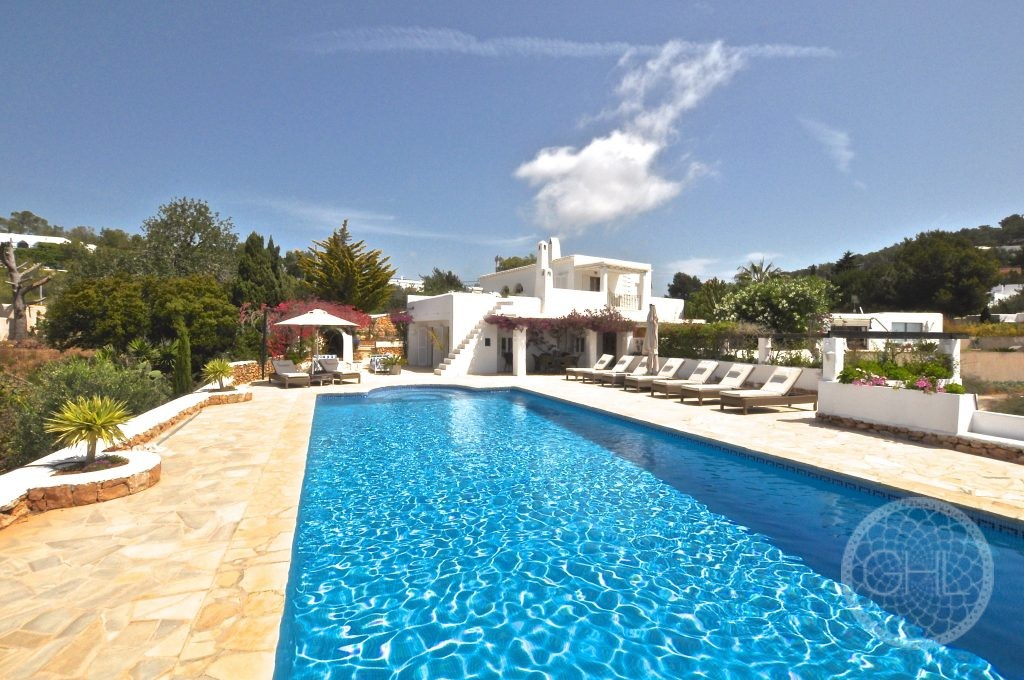 Incredible villa in privileged location