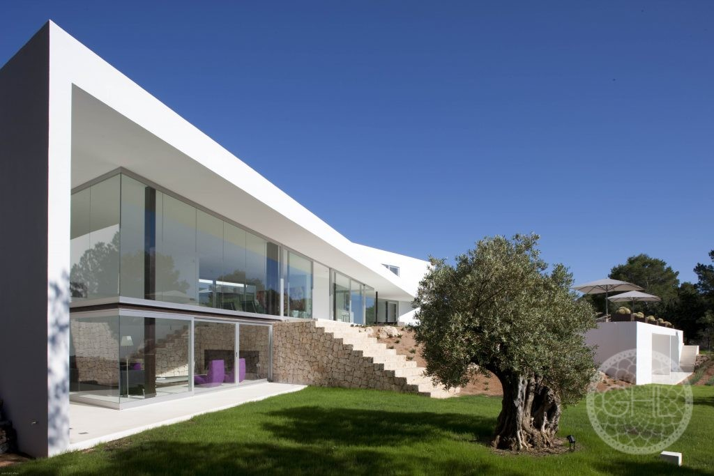 Impresionante villa moderna con vistas al mar