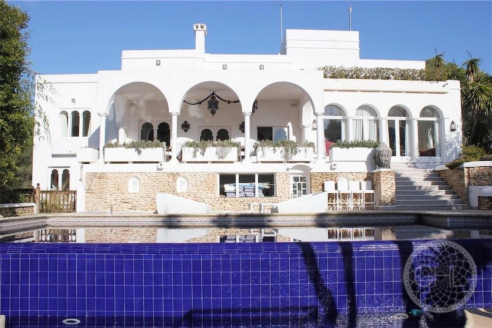 Moroccan style villa with sea views