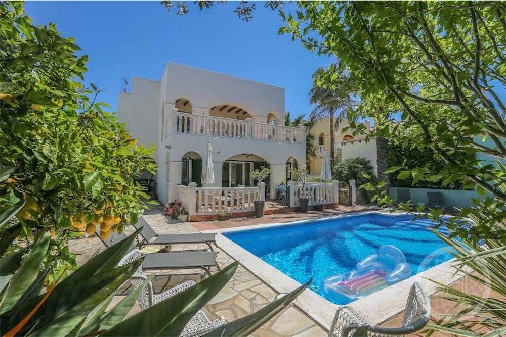 Moderne Villa mit großem Mietpotenzial