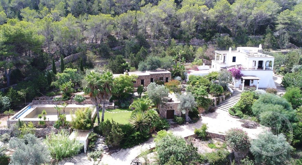Stunning finca estate with sea views