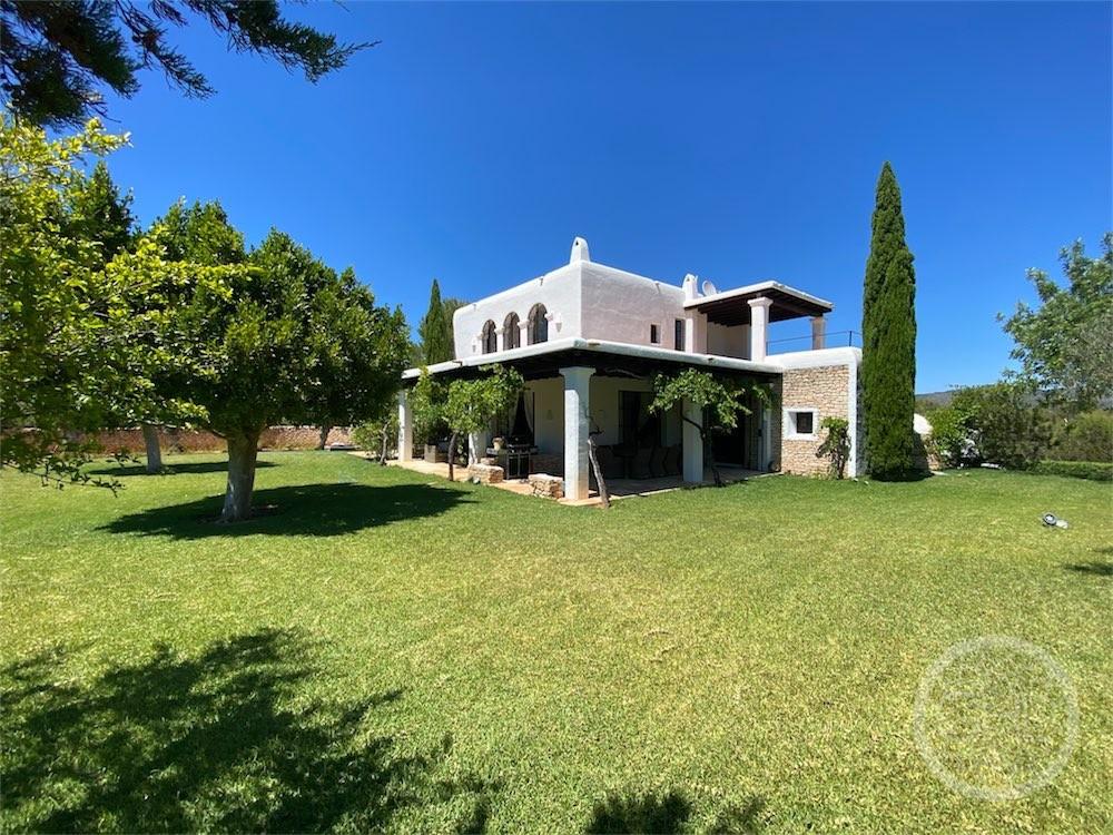 Schöne Villa auf dem Land
