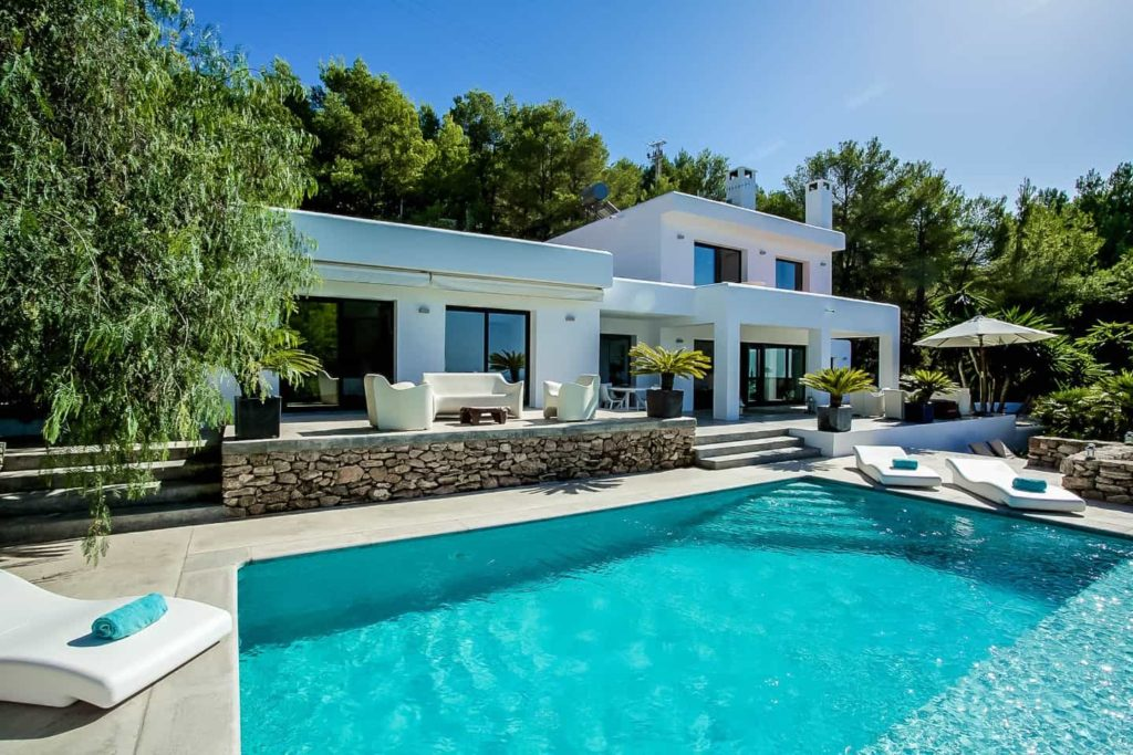 Image result for What Are The Benefits Of Renting A Villa?