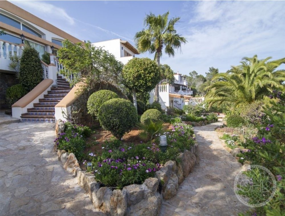 Can LLuis 5 Bedroom House For Sale In Ibiza 11 886x670 Resized