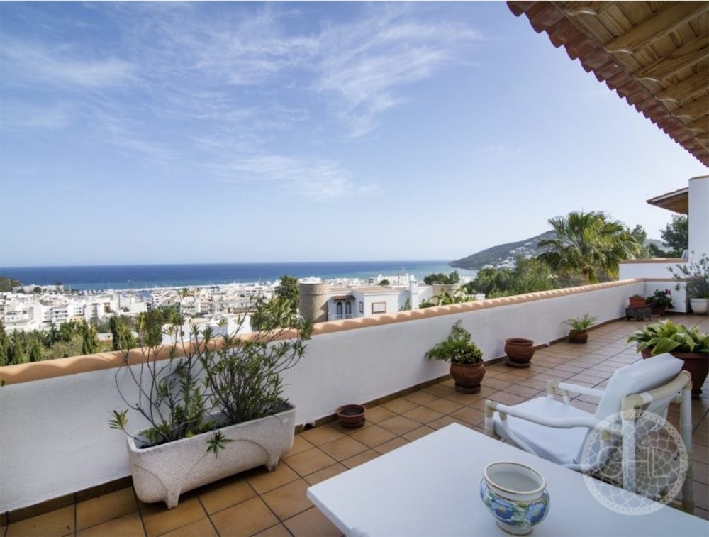 Can LLuis 5 Bedroom House For Sale In Ibiza 5 886x670 Resized