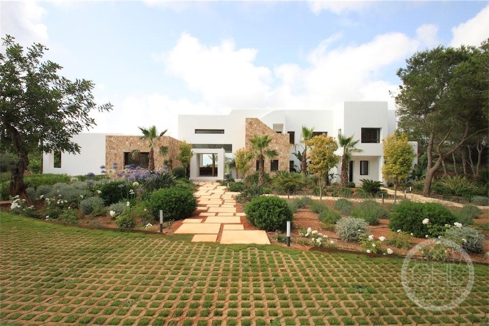 Perfekte moderne Villa auf dem Land