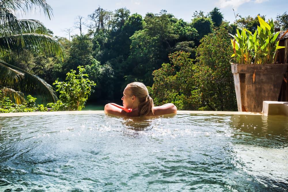 Los puntos a favor y en contra de las piscinas naturales