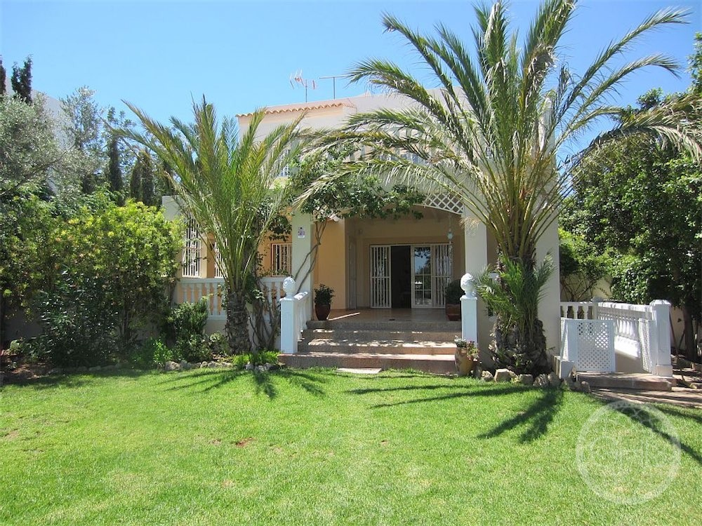 Villa with tourist rental license in the village