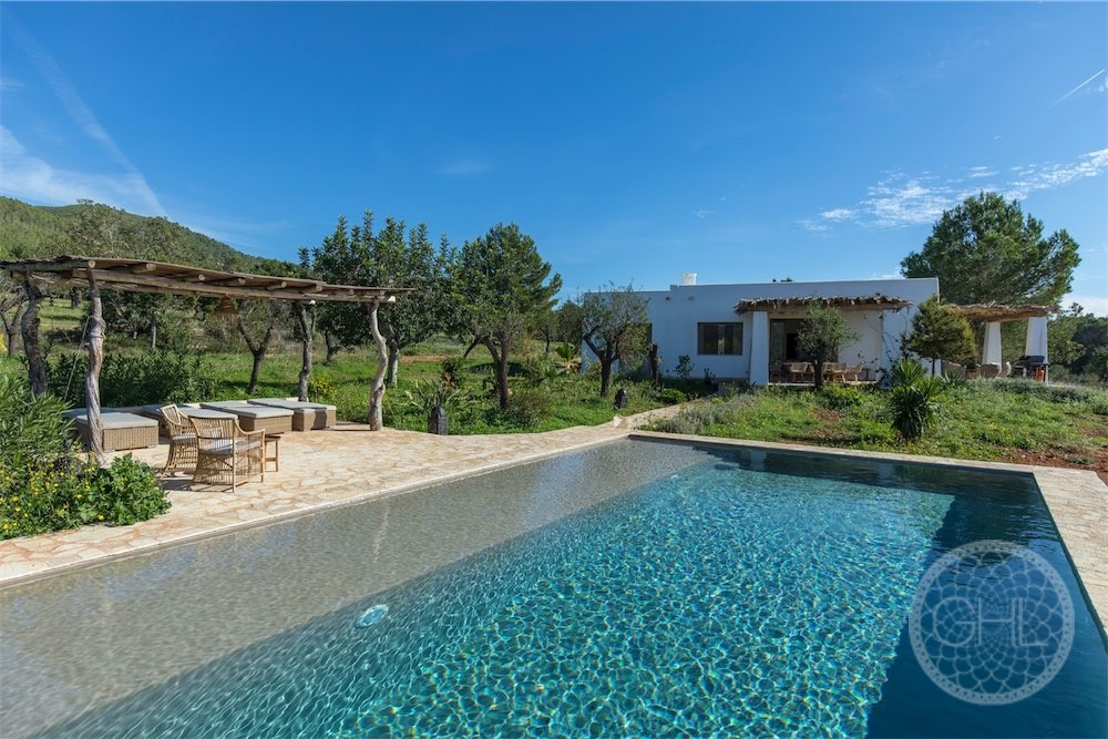 New Blakstad finca with panoramic country views