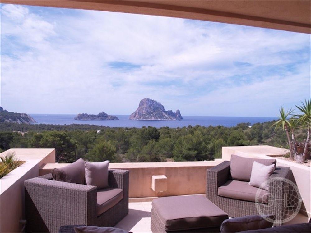 Estupendo apartamento con vistas al mar y vistas directas a Es Vedrà